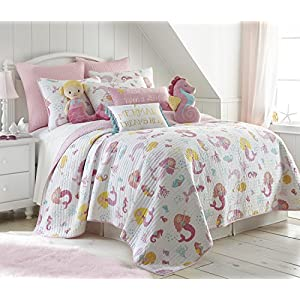 51wP%2B5-GndL._SS300_ 200+ Coastal Bedding Sets and Beach Bedding Sets