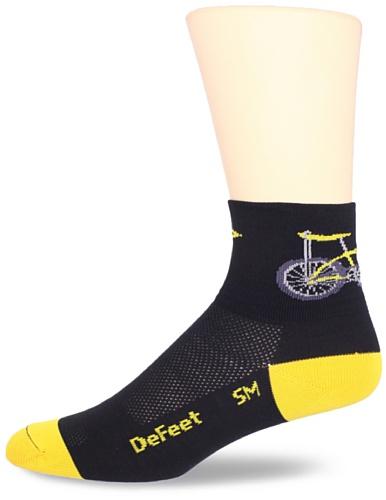 DEFEET Men's Aerator Banana Bike Sock, Black, Large