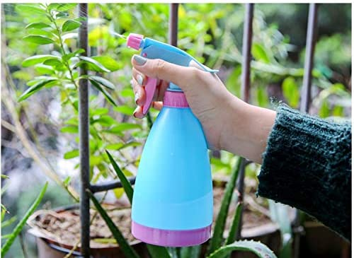 TIANTIAN 2Pack Empty Plastic Spray Bottles Fine Mist Spray Bottle Leak-proof Water Spray Bottle for Garden Cleaning Solutions Ironing Clothes 500ML/17oz RED GREEN