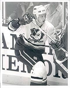 1994 Press Photo NHL Mighty Ducks of Anaheim Defenceman Bill Houlder - snb3885