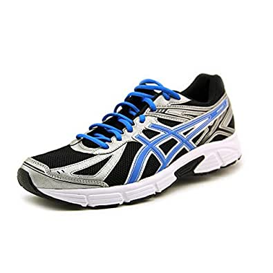 Sports shoes are ideally designed to help support athletic activities, but can also be worn to up the style quotient. Shop for men's running shoes online at Amazon India, to get a wide range of athletic shoes.