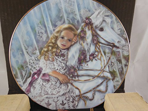 Tess Collector's Plate from the Heirlooms and Lace Collection by Corinne - Collection Tess