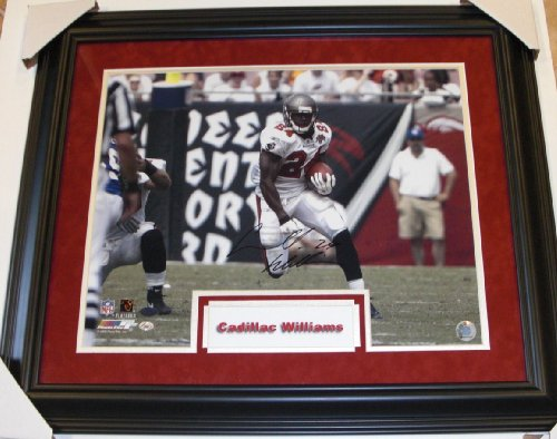 Cadillac Williams Signed - Autographed Tampa Bay Buccaneers - Tampa Bay Bucs 16x20 inch Photo - Custom FRAME ()