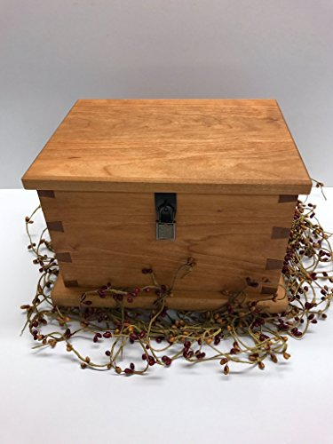 Wooden Keepsake Box, Made With Artisan Tools From Our Wood Shop, Out Of Cherry Wood With A Locking Box - Shops Creek Cherry
