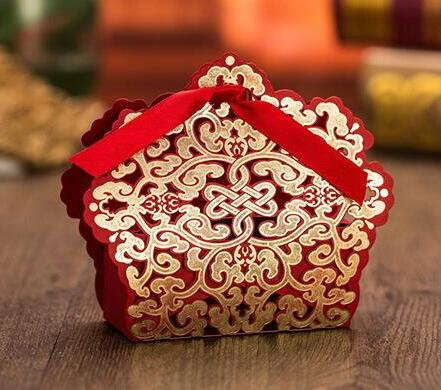 Since 50 pcs Red Laser Cut Wedding Favor Boxes Candy Box Casamento Wedding Favors and Gifts