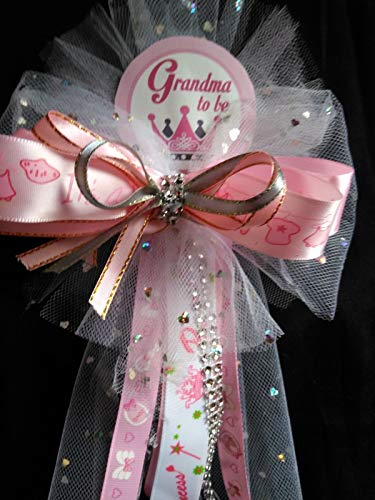 Baby Shower Grandma to Be Corsage]()