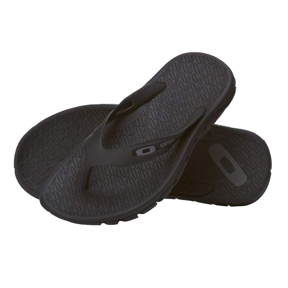 ab987b820a0 Oakley Men s Operative 2.0 Sandals  Buy Online at Low Prices in India -  Amazon.in