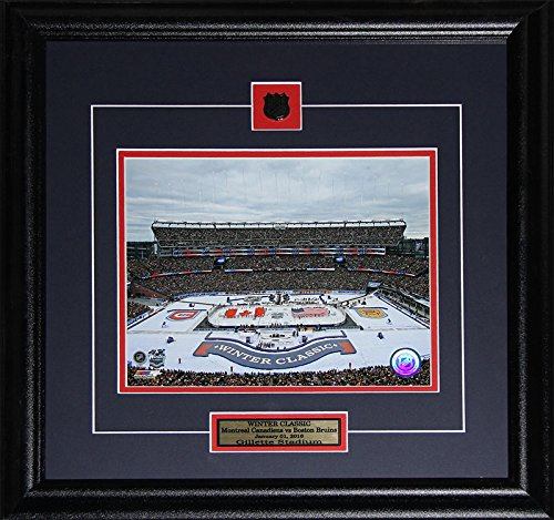 Midway Memorabilia 2016winterclassic-8x10 Montreal Canadiens vs Boston Bruins Gillette Stadium Winter 2016 Classic 8 x 10 Frame ()