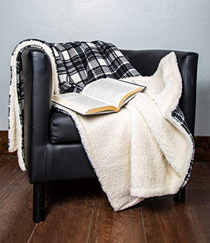 (1i4 Group Outrageously Soft 50-by-60-inch Reversible Velvet Sherpa Ultra Plush Throw, White/Black Plaid)