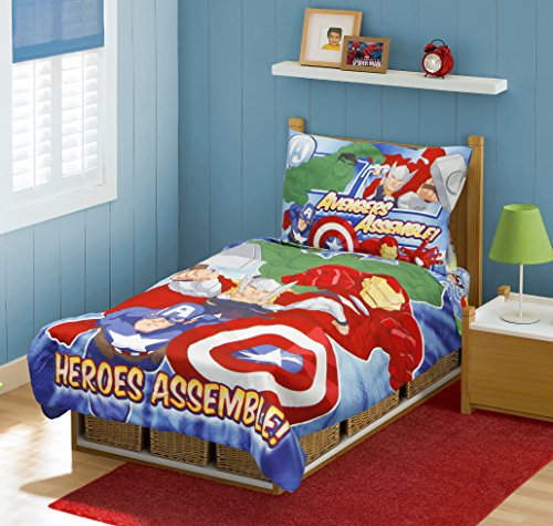 Marvel Avengers Heroes Assemble Toddler Bedding Set, Multi