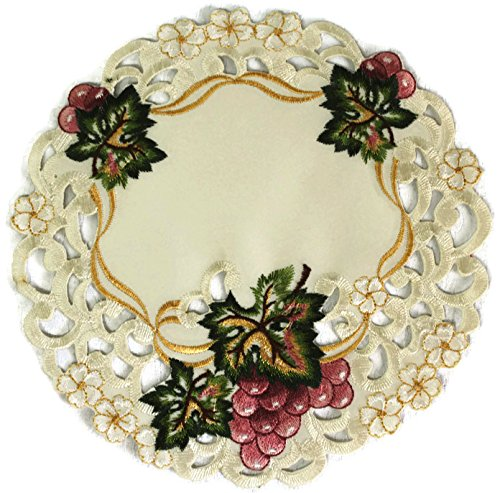 Doily Boutique Round Doily with Purple Grapes on Ivory Fabric, Size 23 inches ()