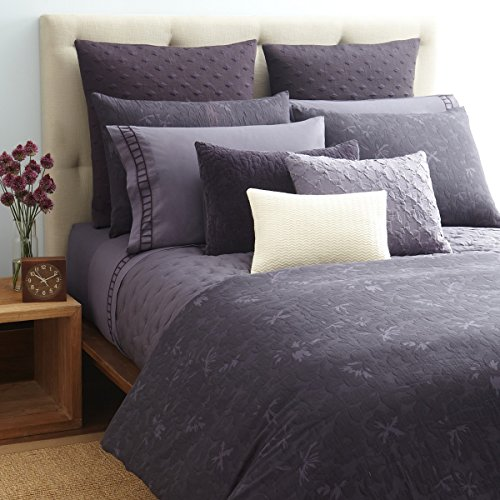 Vera Wang Violet One King Pillow Sham in Violet (Purple)