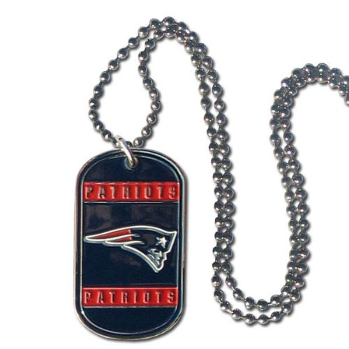 (NFL New England Patriots Dog Tag Necklace)