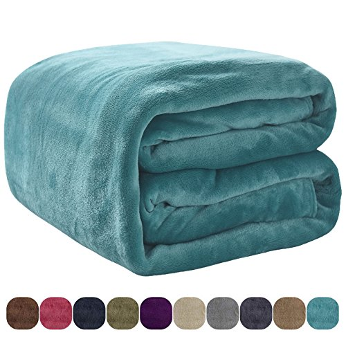 VEEYOO Flannel Fleece Blanket - Extra Soft Warm Lightweight Bed Blanket, All Seasons Anti-Static Couch Blanket Travelling Camping Blanket, Full/Queen Size Caribbean Blue