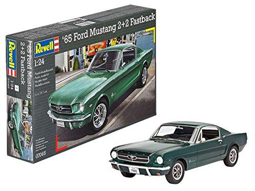 (Revell Germany 1965 Ford Mustang 2+2 Fastback Plastic Model Kit (1/25)