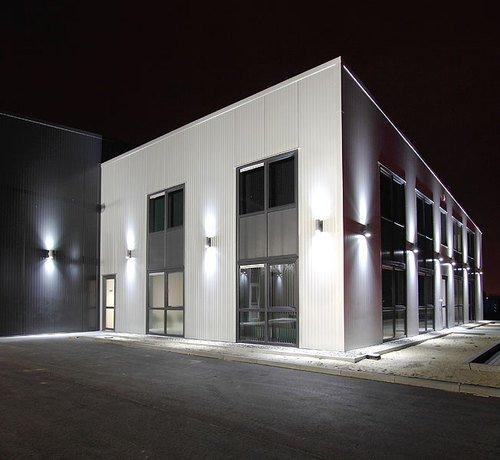 Wandlampe Wandleuchte Wandstrahler Außenleuchte GP-235 Gartenfassung IP54 mit 2 X LED SMD