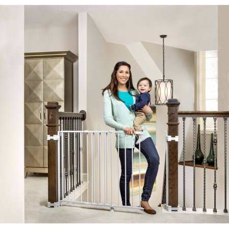 Regalo Top of Stairs Expandable Gate with Mounting Hardware (Circle Baby Gate)