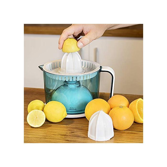 51wn6izpaVL Exprimidor eléctrico para naranjas y cítricos con 40 W de potencia. Incluye dos conos desmontables, para cítricos más pequeños o más grandes. Con doble sentido de giro para aprovechar al máximo la fruta y encendido automático con solo presionar el cono con la fruta. Tambor BPA Free, calibrado en ml con capacidad de 1 l. Todas las piezas son desmontables y aptas para el lavavajillas, salvo la base eléctrica.