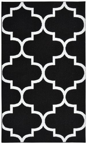 7 Black Area Rug (Garland Rug Quatrefoil Area Rug, 5 by 7-Feet, Black/White)