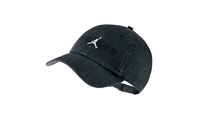 b0f070f6efd Nike Jordan Heritage H86 Air Strapback Hat Black Grey AA1306-010 at Amazon  Men s Clothing store
