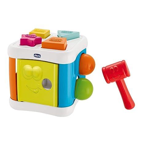 Chicco Multicubo Encajable 2en1 - Juegos de puzzle encajables y contrucción para bebés, con formas, bolas y martillo
