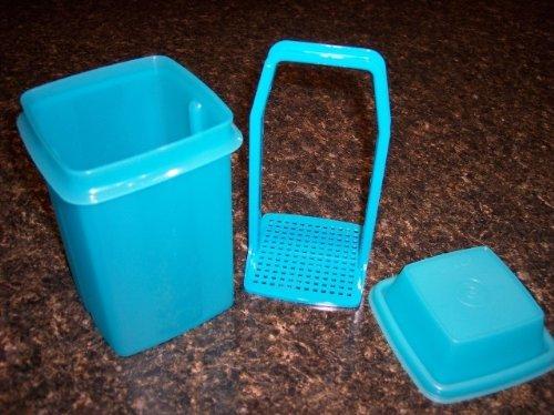 - Tupperware Pick a Deli Pickle Olive Keeper Aqua 4 Cup