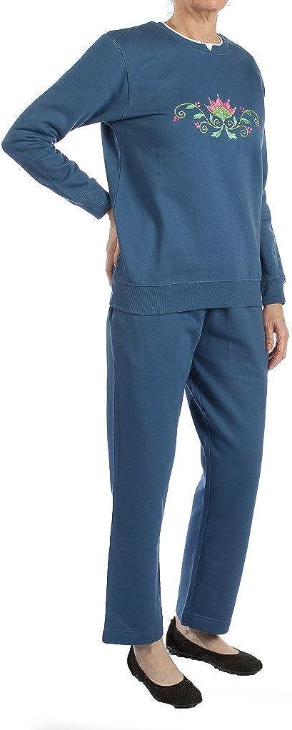 Pembrook Women's Embroidered Fleece Sweatsuit Set