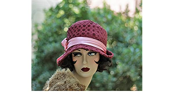 598e3abce Amazon.com: 1920s Vintage Style Fall Winter Cloche Hat: Handmade