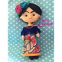 Muñeca artesanal de fieltro inspirada en Frida Kahlo/blusa hombro