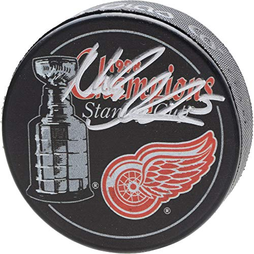 Nicklas Lidstrom Detroit Red Wings Autographed 1998 Stanley Cup Champions Logo Hockey Puck - Fanatics Authentic Certified