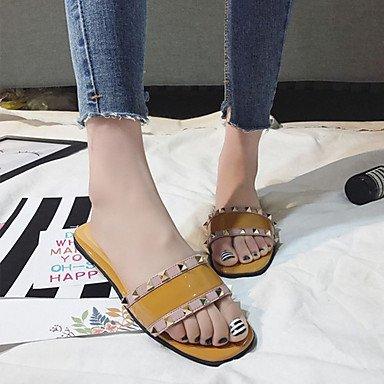 LvYuan Tacón Plano-Confort-Sandalias-Informal-PU-Multicolor Brown