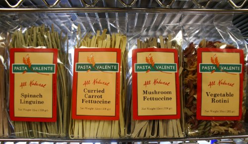 Virginia Gourmet All Natural Vegan Vegetable Rotini, Mushroom, Spinach, Tomato Basil, Black Olive & Lemon Pepper Fettuccines (6 Pack Combo) by Virginia Gourmet Pasta