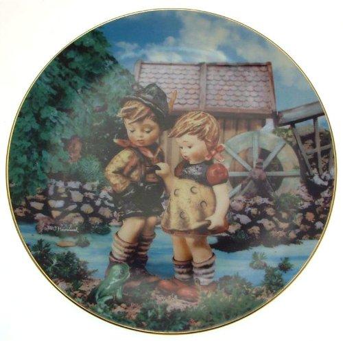 c1990 Danbury Mint Hummel Little Companions Hello Down There plate NEGR67