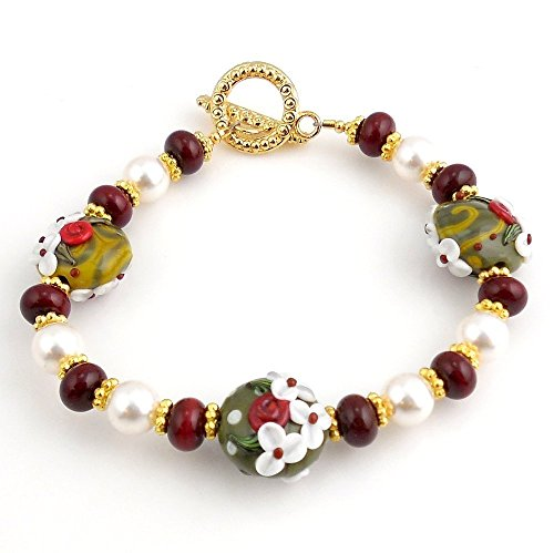 Handmade Red and Green 8.5 Inch Beaded Christmas Floral Lampwork Art Glass Bracelet With Toggle ()