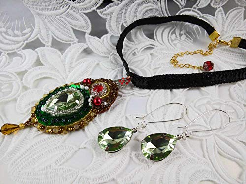 (Set Crystals necklace and hook earrings Green beadwork necklace choker)