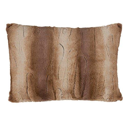 SARO LIFESTYLE Wilma Collection Timeless Animal Print Faux Fur Poly Filled Throw Pillow, 14'' x 20'', Natural by SARO LIFESTYLE