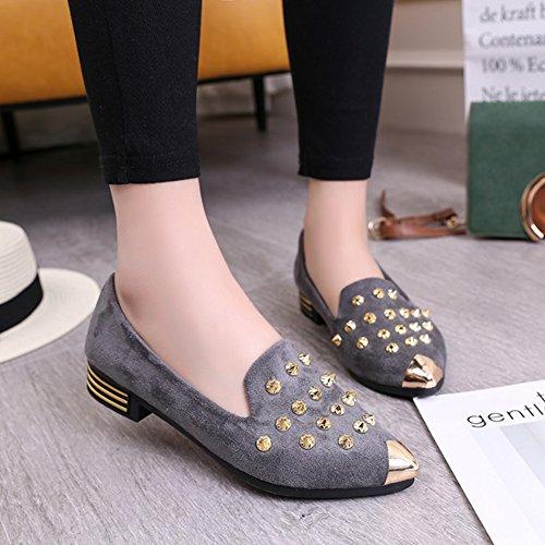 Btrada Femmes Penny Mocassins Chaussures Rivet Plat Bout Pointu Bateau Chaussures Glisser Sur Conduite Mocassins Chaussures Gris