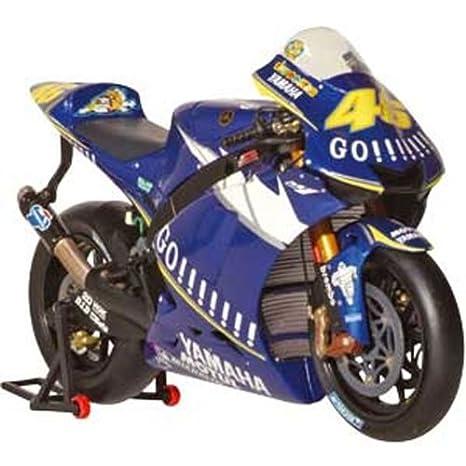 quality design 328b4 524a2 Minichamps - Modellino Moto Yamaha YZR-M1 (Valentino Rossi 2005) in Scala  1:12, Colore: Blu
