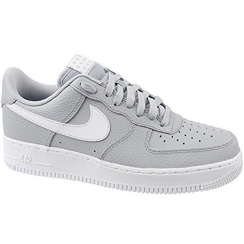 NIKE Mens Air Force 1 '07 Low Basketball Shoe Wolf Grey/White outlet newest buy cheap for cheap best store to get sale online In65niBJyF