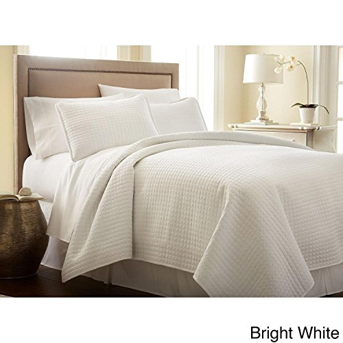3pc Oversized Bright White King/Cal King Quilt Set, Square Pattern Themed Bedding Cozy Waffle Solid Plush Cottage Cabin Chic Trendy Modern Stylish Sleek Soft Trendy Rectangle, Microfiber (Bright White Waffle)