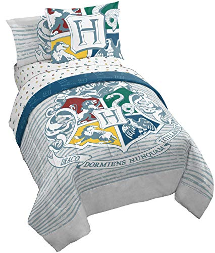Jay Franco Harry Potter Wizardry Twin/Full Comforter - Super Soft Kids Reversible Bedding Features Hogwarts Logo - Fade Resistant Polyester Microfiber Fill (Official Warner Brothers Product) (Duvet Cover Harry Potter)
