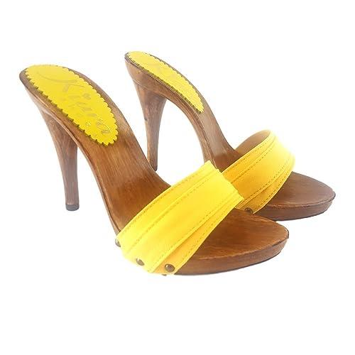 scarpe gialle con tacchi su amazon