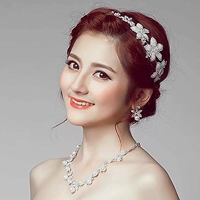 e1d595779ade1 Amazon.co.jp: 上品なウェディングドレスアクセサリー ヘアアクセサリー3点セット ティアラネックレスイヤリング 髪飾り カチューシャ  結婚式 花嫁  ジュエリー