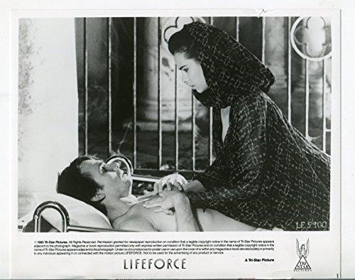 (MOVIE PHOTO: Lifeforce-Steve Railsback-Mathilda May-8x10-B&W-Still-VG)