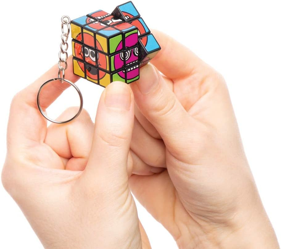Pack of 4 Baker Ross Funky Faces Puzzle Cube Keyrings