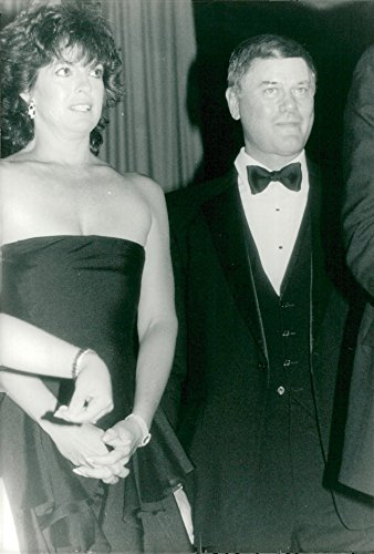 vintage-photo-of-linda-gray-along-with-larry-hagman-during-a-galaxy