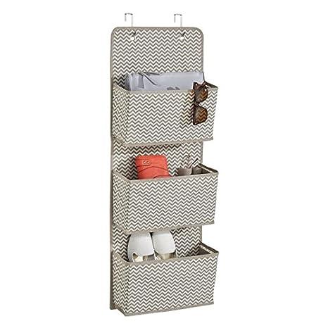 mDesign colgador ropa - Organizador armarios con 3 bolsillos de polipropileno transpirable - Perchero puerta multiusos ideal para el cuarto de los ...