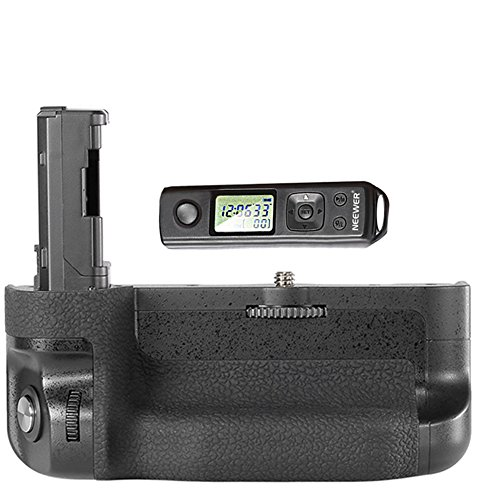 Neewer LCD 2.4GHz Wireless Remote Control Pro Battery Grip Replacement for VG-C2EM with Screen Lock Function Works with NP-FW50 Battery for Sony A7 II and A7R II Cameras
