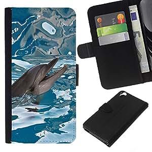 Planetar® Modelo colorido cuero carpeta tirón caso cubierta piel Holster Funda protección Para HTC Desire 820 ( Happy Dolphin agua de mar azul Reflexión )