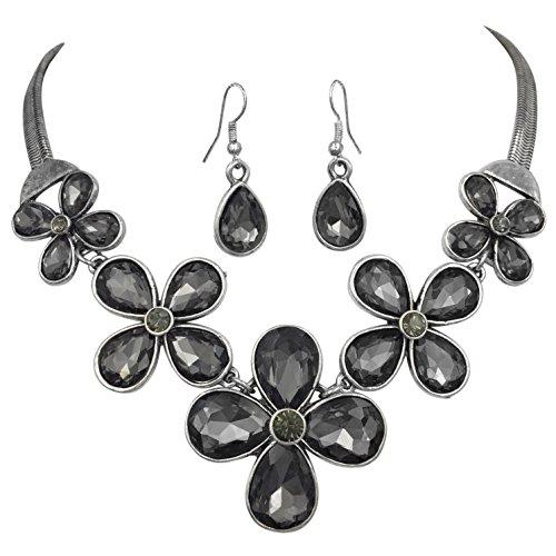 5 Daisy Flower Cluster Rhinestones Trendy Silver Tone Statement Necklace (Jewel Flower Necklace)